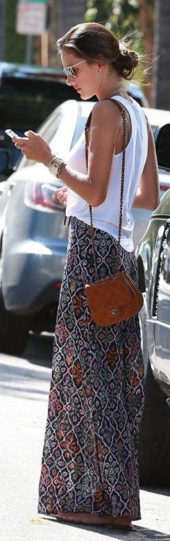Alessandra Ambrosio stops to visit a friend in West Hollywood, California on August 22, 2014. Street stylin'