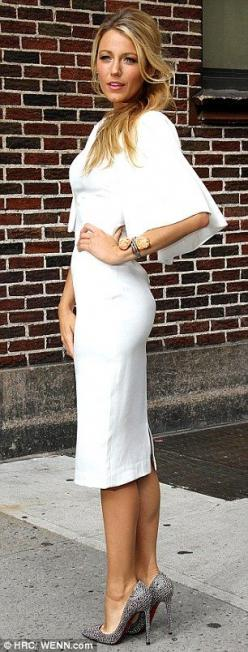 Chic street style!: Blake Lively, Street Style, Dresses, White Dress, Gorgeous Dress, Wrap Dress, Blakelively