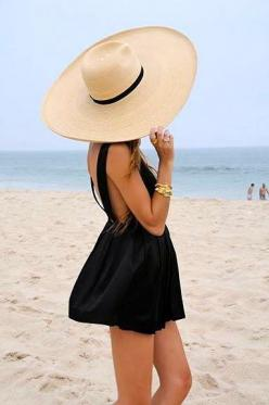 I want a hat like that for the beach ♥: Hats, Beaches, Beach Outfit, Beach Style, Summer
