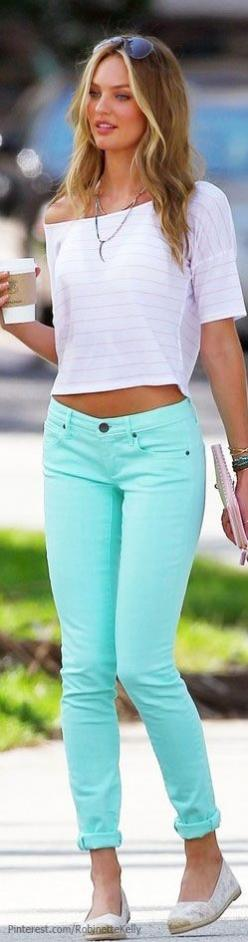 Love everything about this pic!!!! Love her ,love the style just would change the shoes to flat sandals or cute wedges xo: Colored Pants, Fashion, Style, Cute Outfits, Mint Skinnier, Mint Jeans, Ray Ban, White Tops