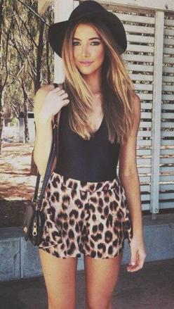 Love this casual look! Black tank, leopard shorts and black hat Women's street style fashion clothing for spring summer: Leopard Print, Style, Spring Summer, Summer Outfits, Leopard Shorts