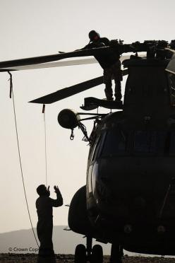Royal Air Force technicians work on a Chinook helicopter during a pre-Afghanistan exercise.: Rescue Helicopters, Ch 47D Chinook, Ch Mh 47 Chinook, Aircraft, Military Helicopters, Chinook 147F, Ch 47 Chinook, Ch 47 46 Chinook