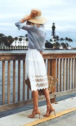 Summer Fashion 2015. Love the lace detailing on the bottom. ::M::: Summer Fashion, Classy Summer Outfit, Summer Style, Clothing Detail, Summer Beach Outfit, Classy Casual Outfit