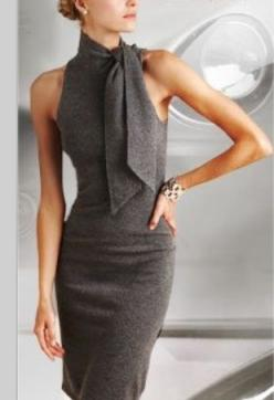Vestido tubinho no estilo glam chic: Ralph Lauren, Fashion, Gray Dress, Style, Ralphlauren, Work Outfit, Lauren Classic, Grey Dresses