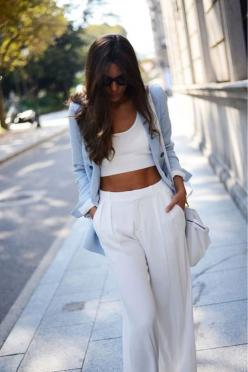 white on white is so chic - Decorista Daydreams: Fashion, Crop Tops, Street Style, Spring Summer, Outfit, White, Croptop
