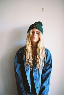 beanie jacket long blond hair denim jeans fashion women streetstyle tumblr girl
