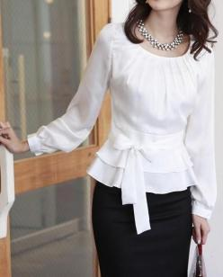 cute blouse. I could make this...I have a pattern for the top part, add a ruffle on the bottom and wa-la!: Blouses, Fashion, Style, Outfit, White Top, Shirt