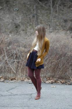 fall clothes. I've always been too afraid to do colored tights and a short skirt. I'm going to take a chance this fall.: Fall Colors, Style, Fall Fashion, Fall Outfit, Burgundy Tights, Fall Winter, Color Combination