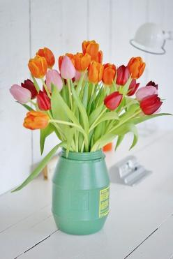tulips {and other flowers from LaurenConrad.com's spring flower guide}: Orange, Spring Flowers, Color, Tulipanes Tulips, Beautiful, Beauty, Garden, Favorite Flower