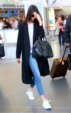 We love Kendall Jenner's simple outfit for heading to the airport! Check out www.travelfashiongirl.com for more suggestions on traveling in style.: Kardashian Jenner, Kendall Jenner Outfit, Street Style, Stan Smith Outfit, Basic Outfit, Travel Outfit,