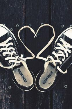 OMG!!! I want a pair of converse soo badly! Black mostly because they go with everything, but I would also really like a pair of blue and red ones too! Ugh!: All Star, Shoes, Fashion, Heart, Style, Black Converse, Allstar, Black White