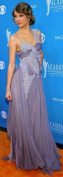 ❥ what an amazing dress~ lavender--one of my favorite dresses Taylor has wore!: Taylor Swift, Taylorswift, Style, Red Carpet, Beautiful Dresses, Prom Dress, Wedding Dress, Gorgeous Dress
