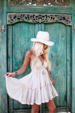 Boho chic gypsy cowgirl look with modern hippie edge. For the BEST Bohemian fashion trends for 2015 FOLLOW http://www.pinterest.com/happygolicky/the-best-boho-chic-fashion-bohemian-jewelry-gypsy-/ now