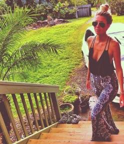 Brandy Melville printed flowy pants, black v neck tank, black cage bra, aviators, sandals