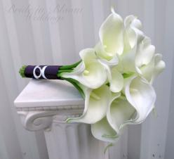 calla lilly wedding bouquet with teal ribbon | Calla lily Wedding bouquet white real touch bridal bouquet: Calla Lilly Bouquet Wedding, Bridal Bouquets, Flowers Bouquets, Calla Lillies Wedding Bouquets, Calla Lily Bouquet, Calla Lily Wedding Bouquet, Brid
