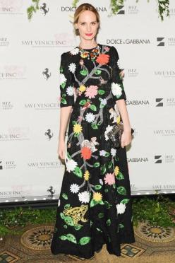 Dolce & Gabbana OUTFIT INSPIRATION: Black Brocade Floral Dress + Metallic Purse + Colorful and Golden Jewelry.: Lauren Santo Domingo, Patentrubber, Delish Dresses, Style Icons, Celeb Icons Styles Photosnaps, Laura Santo, Fashion Lsd, Floral Dresses