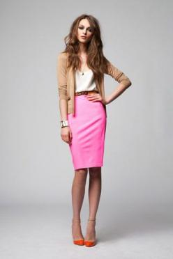 She could stand to brush her hair a bit - but I like what she has going on with the pencil skirt and pointy toed shoes... {HME}: Pink Pencil Skirt, Color Combos, Pink Skirts, Bright Skirt, Hot Pink, Workoutfit, Pencil Skirts, Work Outfits, Work Attire