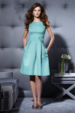would love this as a bridesmaid dress for my daughter: Fashion, Light Blue Dress, Favorite Colors, Outfit, Beautiful Color, Belt, Modafavori Elbiseler