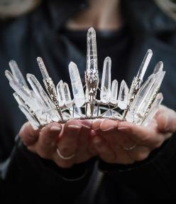 Crystal crown! I don't know what I would do with this but I'm sure I need one! www.lab333.com https://www.facebook.com/pages/LAB-STYLE/585086788169863 http://www.labs333style.com www.lablikes.tumblr.com www.pinterest.com/labstyle