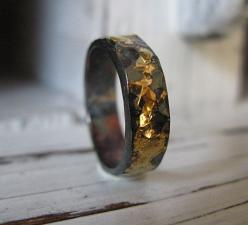 Hey, I found this really awesome Etsy listing at https://www.etsy.com/listing/195758371/5mm-mens-wedding-band-rustic-gold