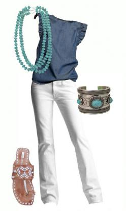I would like to have an outfit like this for the late spring and summer. Maybe instead of turquoise, I could use jewelry with a mint color.
