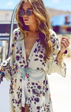 Love this floral printed kimono! Look at the lace! I love the details!!! Send me one, please!: Kimono Jacket, Floral Prints, Fashion, Style, Floral Kimono, Kimonos