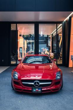 Mercedes Benz SLS AMG Pink ☆ Girly Cars for Female Drivers! Love Pink Cars ♥ It's the dream car for every girl ALL THINGS PINK!