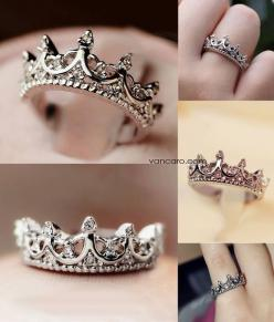 Oh my! This reminds me that we are daughters of THE King! We should be loved and treated as such!  *Crown ring: Crowns, Queen, Wedding, Jewelry, Crown Rings, Accessories