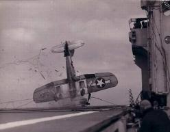 ★Old Photos & Maps★ (@Lost & Found Gallery) tweeted at 10:18 PM on Sat, May 31, 2014: Crash of a U.S. Corsair during a landing on an aircraft carrier c.1944