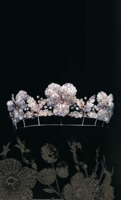 Pansy tiara, divisible into three brooches, Fossin & Fils, circa 1860. Private Collection. #Tiara