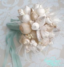 Sea Shell Bouquet for Beach Wedding.. I know I'm pass the wedding but idea for 25 yr renewal I told him we are doing!