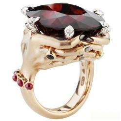 tThis would be amazing to get or give for Valentines Day!ring by *....Stephen Webster