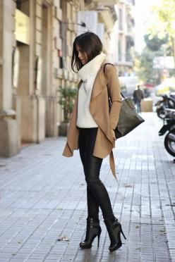 Wear a camel coat and black leather leggings for a Sunday lunch with friends. Take a classic approach with the footwear and throw in a pair of black cutout leather booties.  Shop this look for $137:  http://lookastic.com/women/looks/turtleneck-tote-bag-co