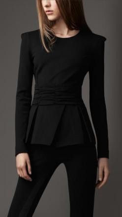 And for night.        All black. Love the details of the top.: Fashion Style, All Black Outfits For Work, Black Fashion, Chic Black Outfits, All Black Outfit For Work, Burberry Pleated, Peplum Top, Black Peplum
