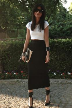 high waisted skirt and crop top so simple and chic: High Waisted Skirt, Midi Skirts, White Pencil Skirts, Street Style, Long Black Skirts, Skirts Fordays, Black Maxi Skirts, Chic Luv