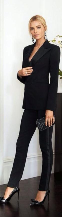 Lady CEO in black attire   sexy blonde   Dazzle yourself with the beauty of designer diamonds right hand ring and enhanced with earrings   #thejewelryhut: Dressy Outfit, Fashion Style, Chic Tuxedo, Fashion Outfits, Ceo Outfit Fashion, Fitted Suit, Sexy Da