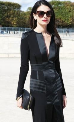 Paris Street Style | Black Dress with an Elegant Edge | Leila Yavari | | { Couture /// In the Details: All Black, Leila Yavari, Paris Street Styles, Beautiful Black, Little Black Dresses, Edgy Look, Street Chic, Yavari Stylebop