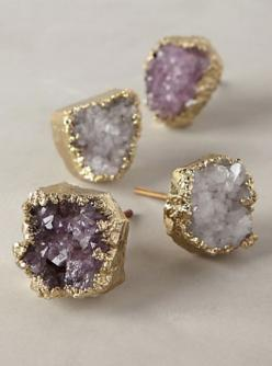 beautiful crowned quartz knobs #anthrofave  http://rstyle.me/n/sg4zhpdpe