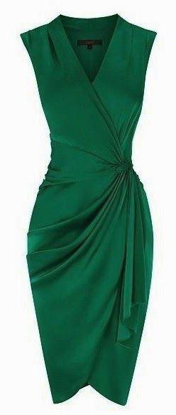 Coast Lavinia Dress sculpted to flatter the feminine figure, the dress features a flattering wrap style V neck which gathers at the waist with a contrasting waist tie. The dress is lined for effortless wearing and should be teamed with heels for a radiant