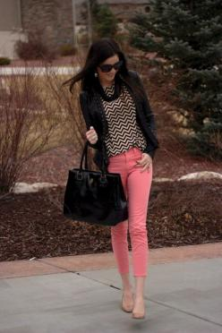 bright pink + black white chevron http://rstyle.me/fydndybed