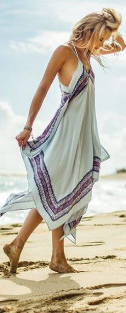 The ONeill Galaxy Beach Dress has a handkerchief hemline that is easy to wear and flatters many shapes. The adjustable straps offer a custom fit and the powder blue hue looks great on any skin tone. Throw this dress on over a bikini or layer with a moto j