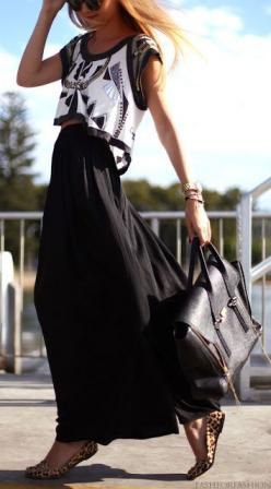 crop top + black maxi: Fashion Style, Crop Tops, Street Style, Spring Summer, Croptop, Maxi Skirts