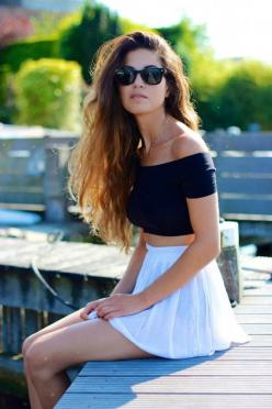 If it's your first time wearing this piece, check out these foolproof ways to wear a crop top to get you started.: Hipster Summer Outfit, Black Crop Top, Off Shoulder, Street Style, Croptop, Crop Top Outfit