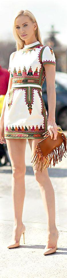 Street style | Summer printed mini dress: Street Fashion, Embroidery On Dresses, Summer Dress, Mini Dresses, Summer Style, Printed Dresses, Street Styles, Short Sleeve Dresses, Street Style Fashion