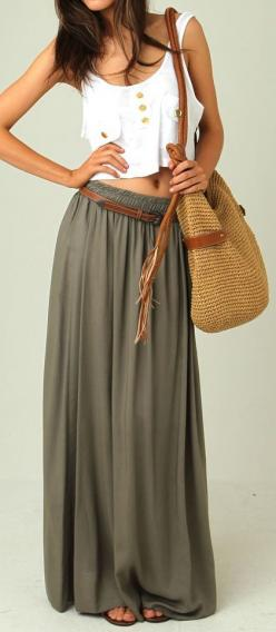 Wish I could pull this off! Haven't been able to find any skirts like this that look good on me...: Crop Tops, Dream Closet, Summer Style, Long Skirts, Spring Summer, Green Maxi, Summer Outfits, Maxi Skirt Outfit, Maxi Skirts