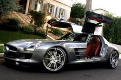 I Dont like Mercedes That Much..but SLS AMG is waayy one of a Fast Ride..Nice Door too