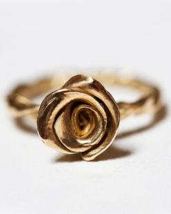 disney beauty and the beast rose ring in gold- I want!!!! Beauty and the beast is my all time favorite Disney movie:): Golden Rose, Bud Ring, Engagement Ring, Vintage Rose, Rose Bud, Rose Rings