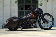 2011 Street Glide Custom Bagger – Stealth Glide | The Bike Exchange/Harley Davidson Absolutely in love with this bike!