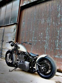 I like all but the beach bars....come on now. Still a awesome bikeVisit www.rvinyl.com for the best #AutoAccessories & #AftermarketParts: Bobber Motorcycles, Cars Motorcycles, Bobber S, Custom Bike, Cars Bikes, Awesome Bike, Bobbers Choppers