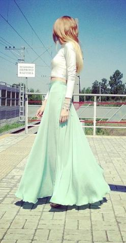 minty green maxi skirt: Mint Maxi Skirts, Mint Color, Long Skirts, Outfit Minus, Boardwalk Outfit, Long Maxi Skirts, Mint Green Skirts, Green Maxi Skirts, Minty Green